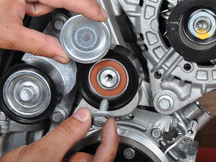 Замена ремня генератора Лада Ларгус 16 клапанов K4M с кондиционером и ГУР