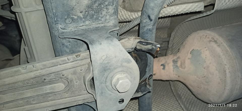 Замена подушки двигателя Лада Ларгус