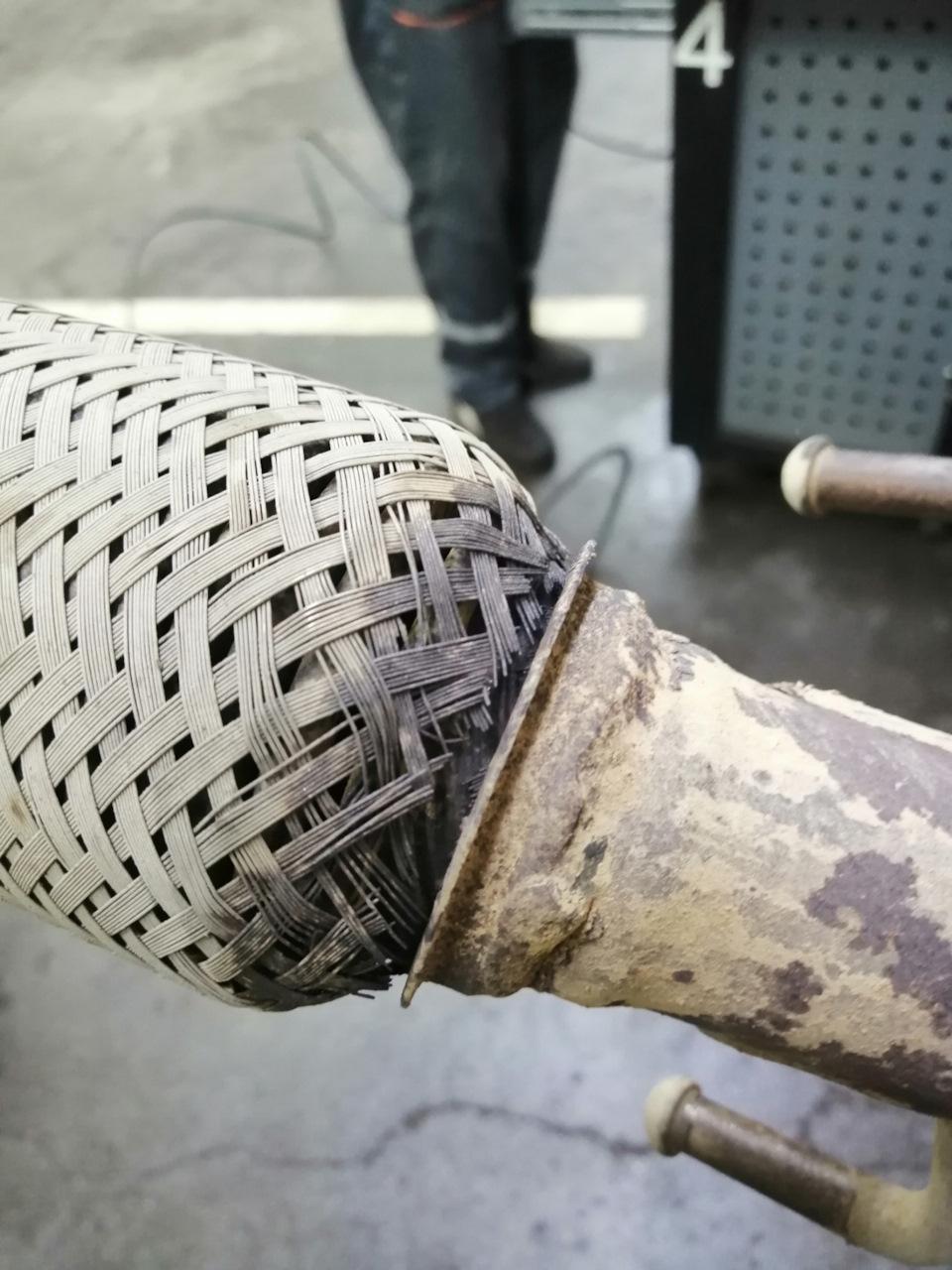 Гофра глушителя Лада Ларгус 8 и 16 клапанов замена, артикул, размеры