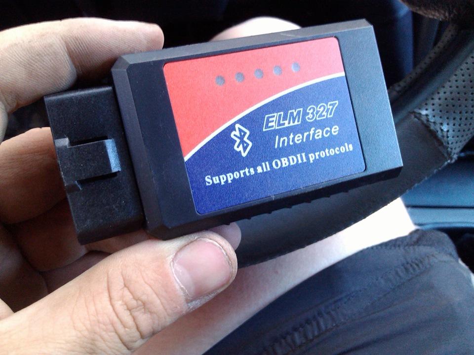 адаптер OBD-II, например ELM-327